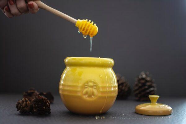 10 fordele ved at spise honning dagligt
